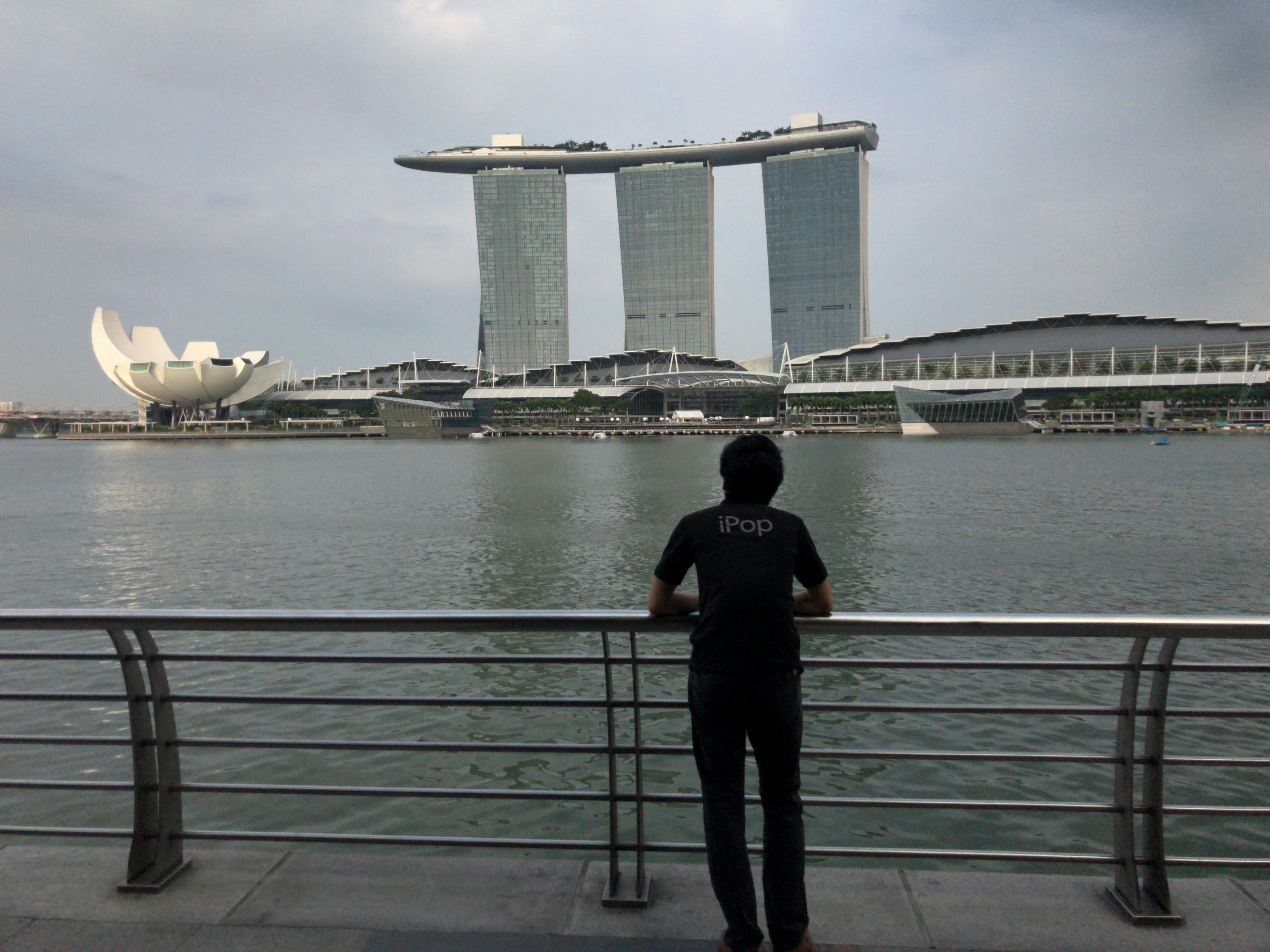 シンガポールへ行ってきたので、海外での通信方法や設定についてまとめたよ!